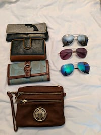 Used wallets n sunglasses $5 for all Laredo, 78041