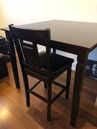 Modern Square Dining Room Table W/ 4 Chairs Philadelphia, 19107
