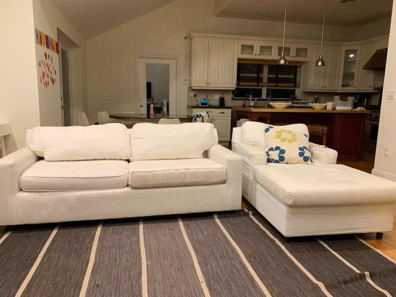 White couch and chair 41756c05-4584-4f0e-b0be-083bd29d07e6