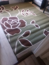 white and pink floral area rug Montreal