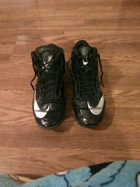 shoes nikes size 9  Enfield, 04493