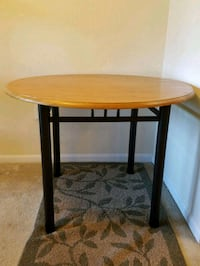 "Round 40"" wooden table - LIKE NEW! Gaithersburg, 20878"