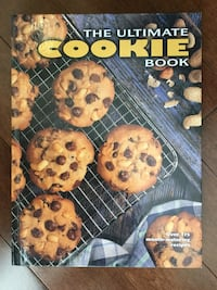 2 pics/11.5 x 8.5 / 253 page ultimate cookie book/ mint condition