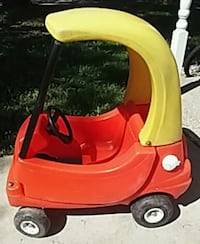 red and yellow Little Tikes cozy coupe Midland, 48640