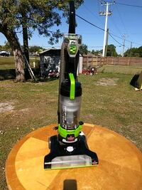 Awesome vacuum comes with the turbo brush  Fort Pierce, 34981