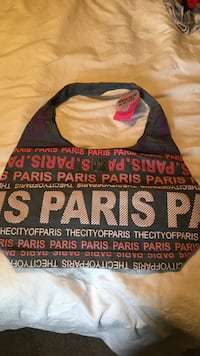 Paris purse Burlington, L7L 5J6