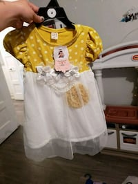 baby's yellow and white dress Lévis, G6V 4R1
