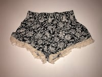Black and white floral short shorts 485 km