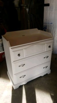 Dresser / Baby changing table