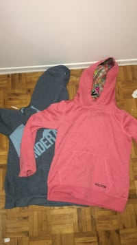 2 medium female sweaters  Mississauga, L5N