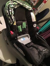 Graco car seat with two bases Concord, 03303