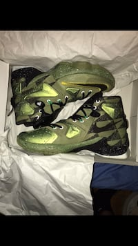 pair of green-and-black Nike basketball shoes Toronto, M1E 4Z7