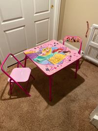 Princess table with two foldable chairs Collegeville, 19426
