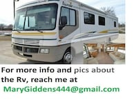 Very clean2003 Fleetwood Bounder heated mirrors