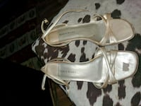 pair of white leather heeled sandals 3153 km