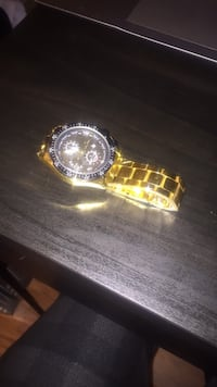 round gold-colored chronograph watch with link bracelet Beltsville, 20705