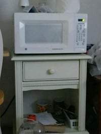 white General Electric microwave oven San Antonio, 78202