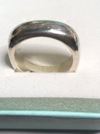 Authentic Tiffany & Co Cushion Ring Springwater, L0L 1X0