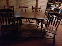 Dining room table Lafayette, 70506