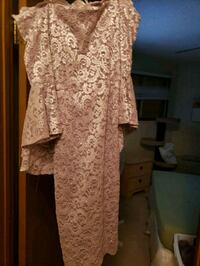 women's pink floral dress Edmonton, T5G 0P8