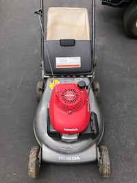 Honda powered lawn mower Chantilly, 20152