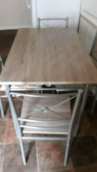 Kitchen Table Kenner, 70065