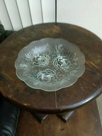 Glass dish with flower design Margate, 33063