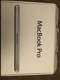 MINT MACBOOK PRO 13.3' INTEL I5 500GB Hard Drive 4GB RAM Surrey, V3W