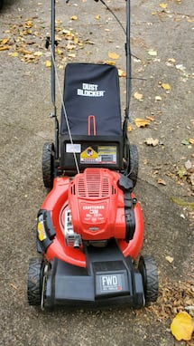 CRAFTSMAN Self-propelled, no choke, no prime, 21- in mower brand new!!
