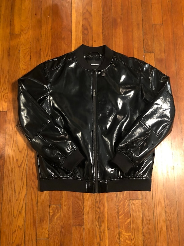 Men's Jared Lang paid $600 size XXL (fits like XL) Patent Leather Bomber jacket. Excellent condition never worn! Great jacket 2c8ec36c-4ad3-4584-a52c-825af06d35db