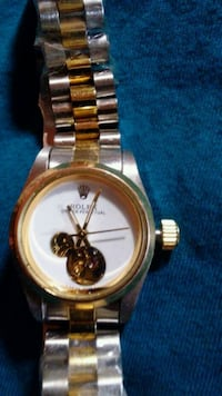 round gold-colored chronograph watch with link bra Spartanburg, 29301