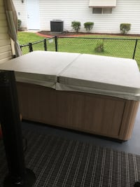 2 person Hot Tub with cover Summerfield, 34491