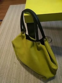 Nice green leather purse. Holds lots
