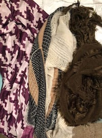 Women scarfs never worn Erath, 70533