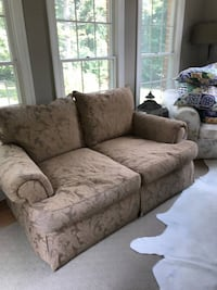 Thomasville Sofa and Loveseat Leesburg, 20175