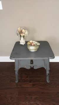 Grey rustic side table Irondale, 35210