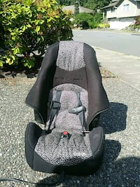 baby's black and gray car seat Redmond, 98052