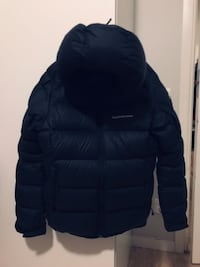 Svart zip-up bubblajacka size S for man Стокгольм, 164 30