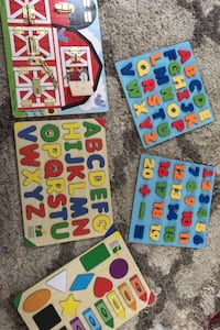Infant/toddler puzzles x5