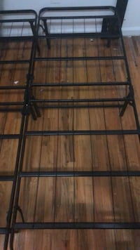 Queen size Black metal bed frame New York, 10031