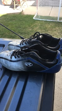 Soccer shoes size 10 Red Deer, T4P