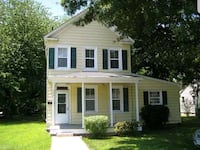 HOUSE For Sale 3BR 2.5BA Hampton