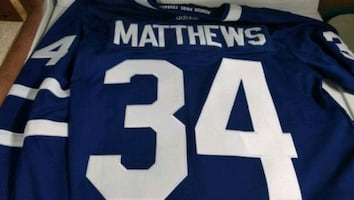Maple Leafs matthews jersey