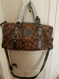 Coach 2 way bag Whitby, L1N 8X2