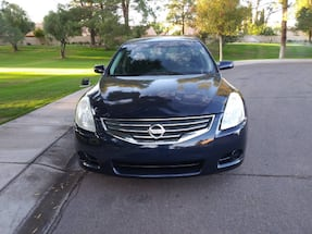 Nissan Altima 2.5 S model.152k miles power windows door locks cruise