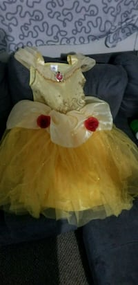 white and yellow dressed doll Hayward, 94541
