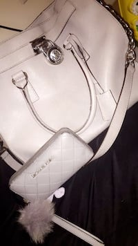 Authentic Mk Purse with wallet & Mk keychain  Tampa, 33613