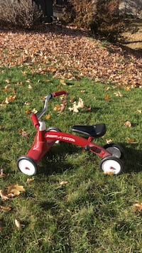 Toddler's red radio flyer tricycle Herndon, 20170