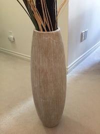 HOMESENSE DECORATIVE VASE Burlington, L7L 6K9