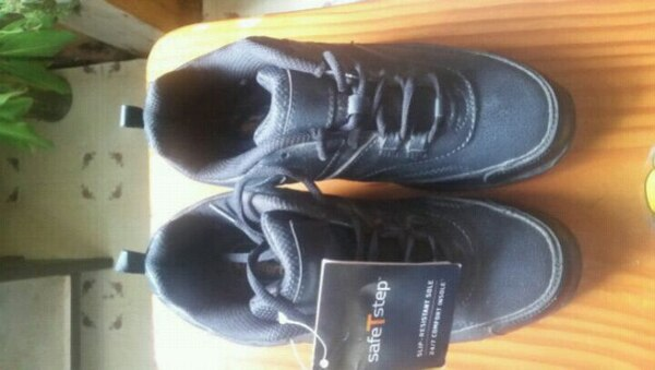 dae88fa24c8 Used SafeTstep slip resistant Sole shoes for sale in Altoona - letgo